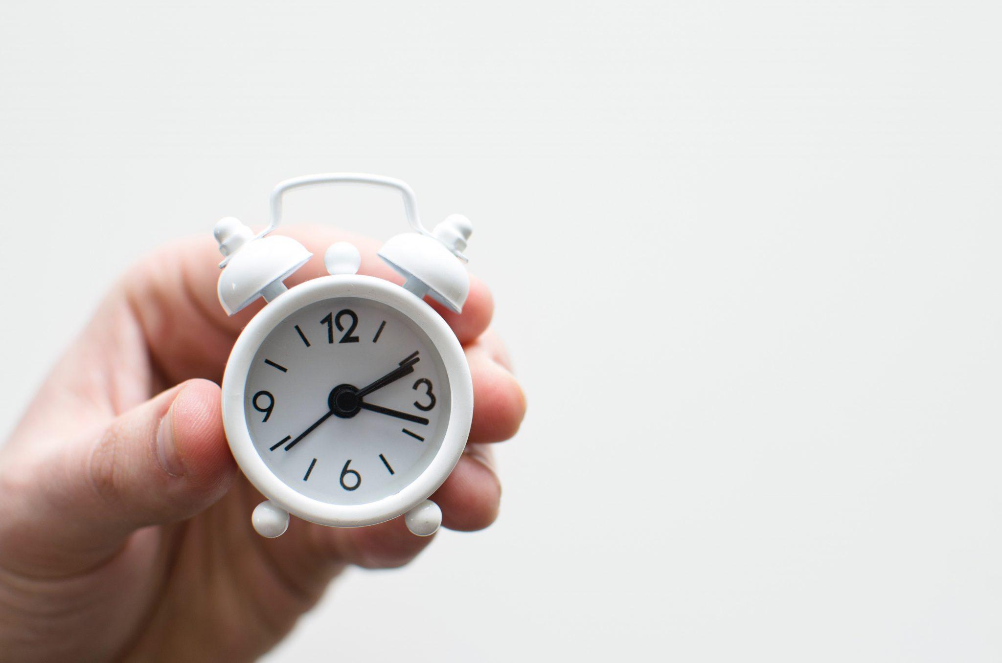 社会人の平均勉強時間は6分!?【時間の確保術公開】